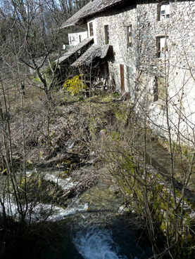 le bief sous le moulin - photo A/JFD