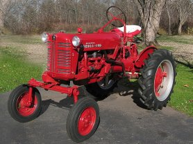 Farmall Cub 1955 (source Wikipedia)